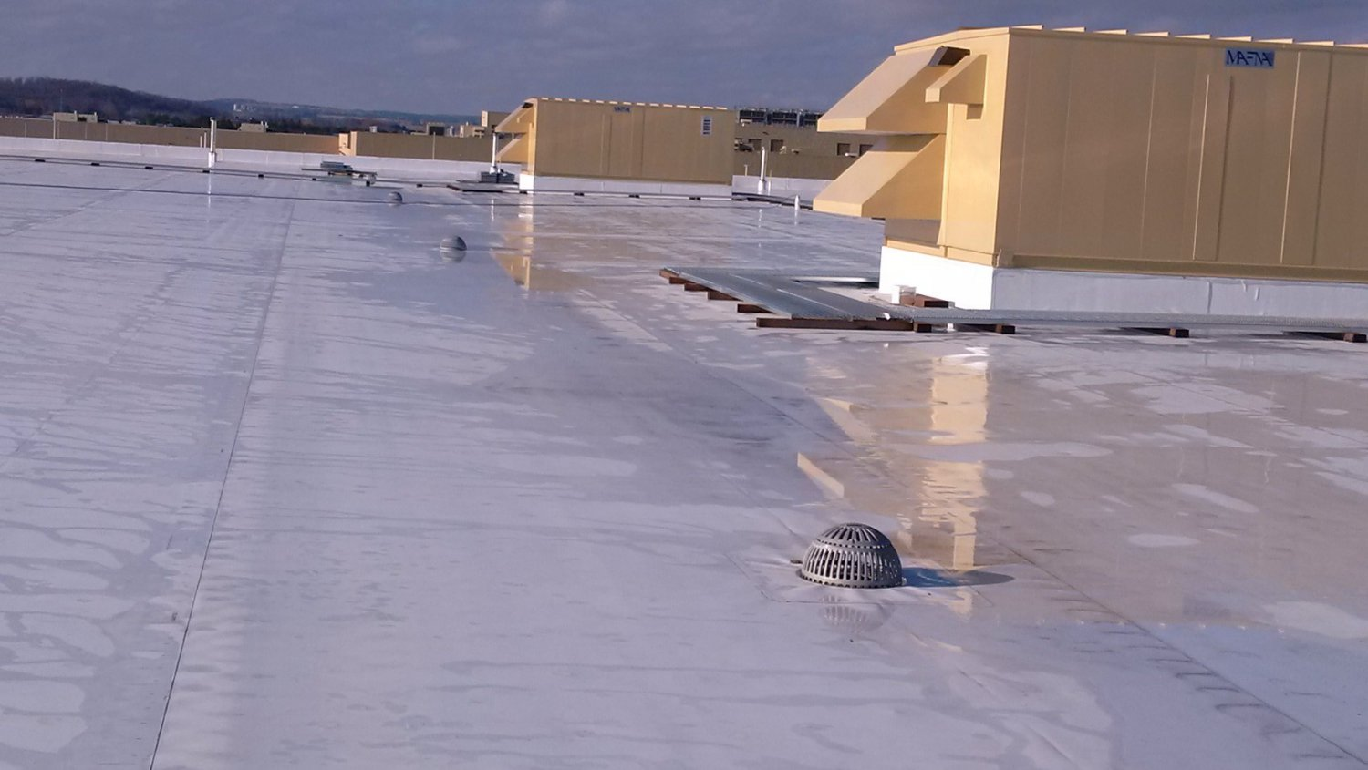 High Quality, TPO, PVC & EPDM Roofing Systems.. Description 1